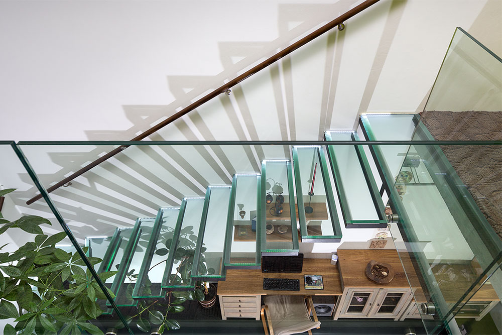 Celoskleněné schody