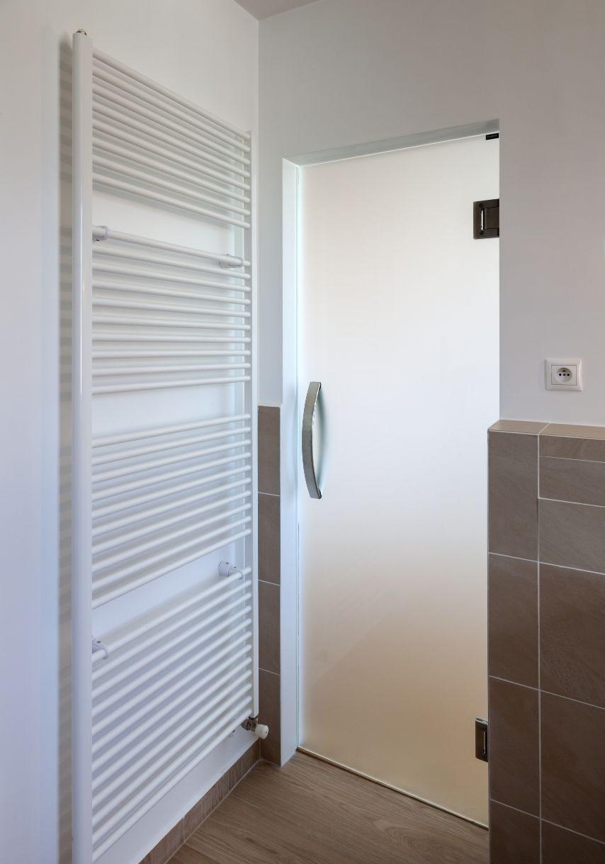 Jednokřídlé kyvné dveře 3