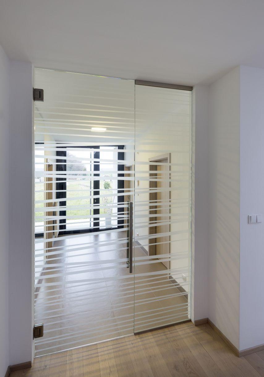 Jednokřídlé kyvné dveře 5