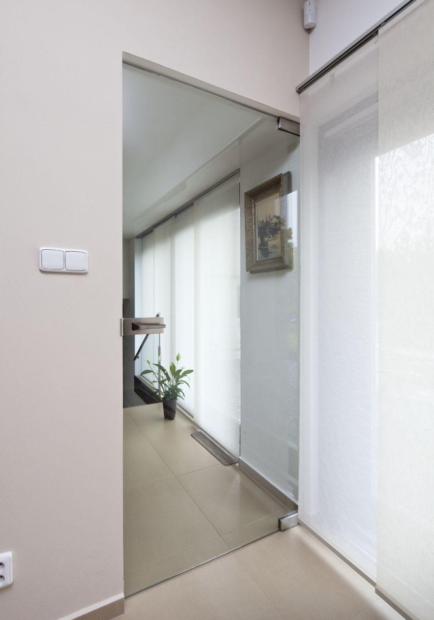 celosklenene dvere kyvne 4