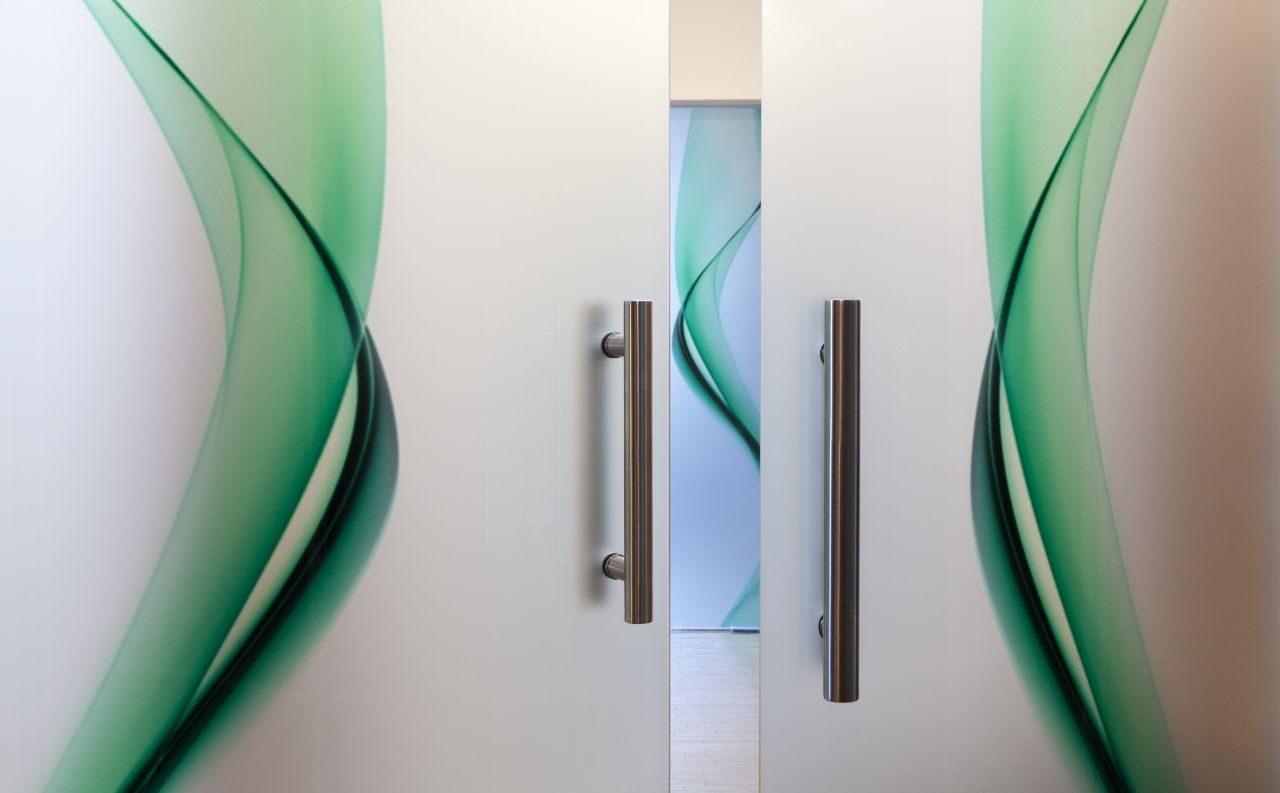 celosklenene dvere kyvne 5