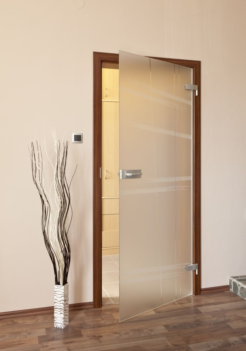 Jednokřídlé otočné dveře 26