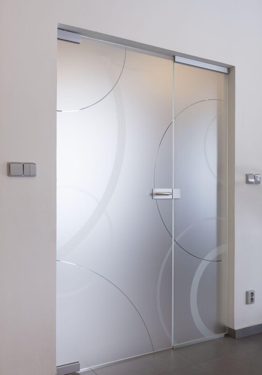 Jednokřídlé otočné dveře 23