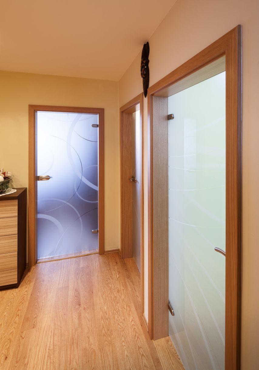 Jednokřídlé otočné dveře 22