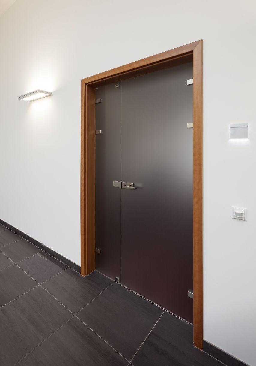 Dvoukřídlé otočné dveře 3