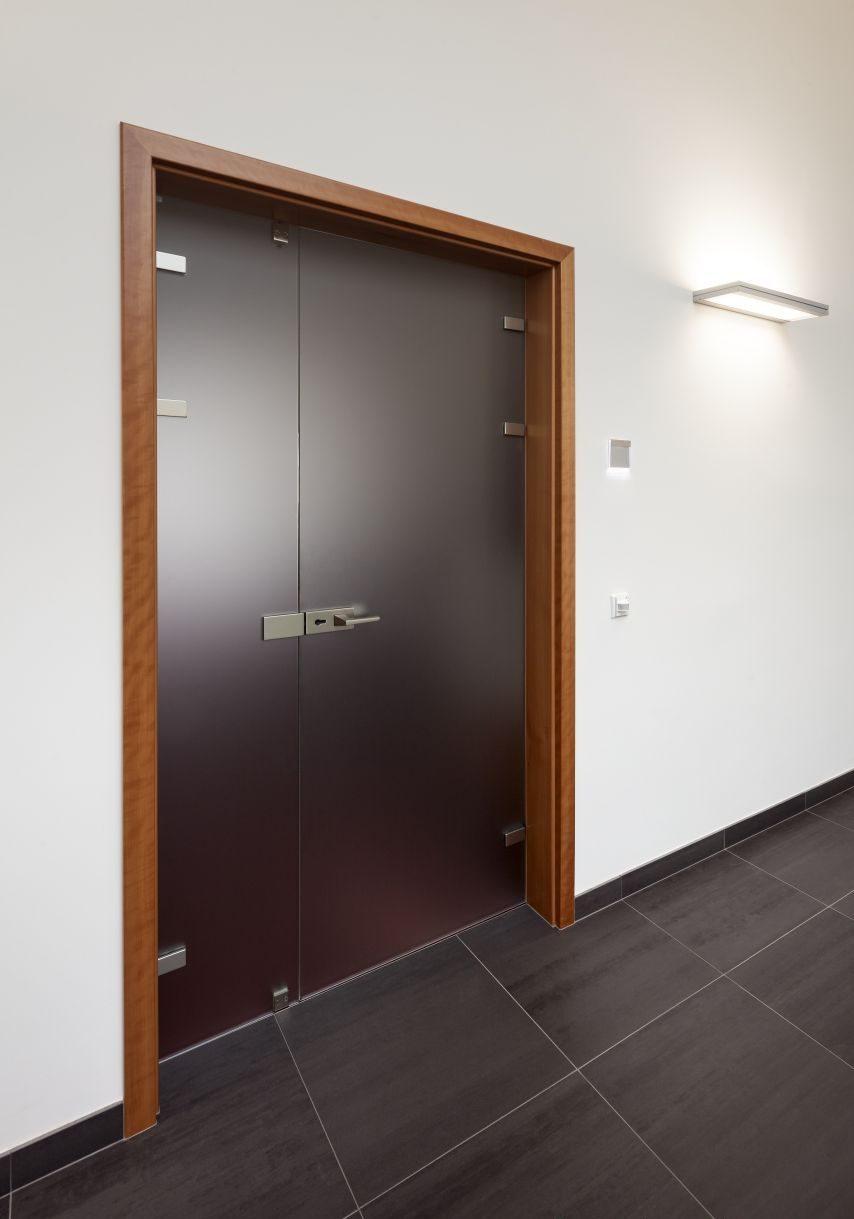 Dvoukřídlé otočné dveře 4