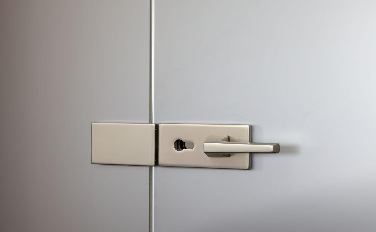 Dvoukřídlé otočné dveře 7