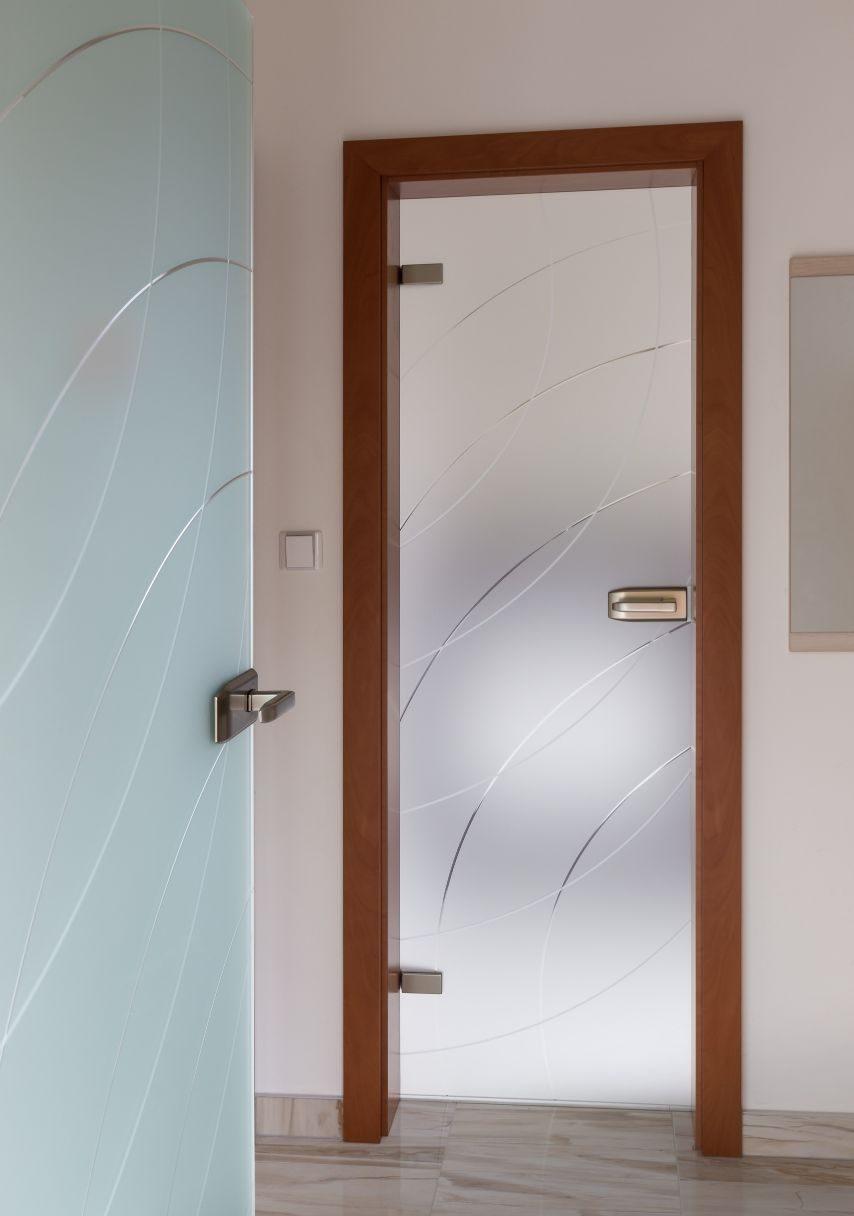 Jednokřídlé otočné dveře 11
