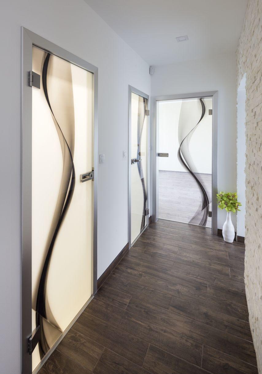 Jednokřídlé otočné dveře 8