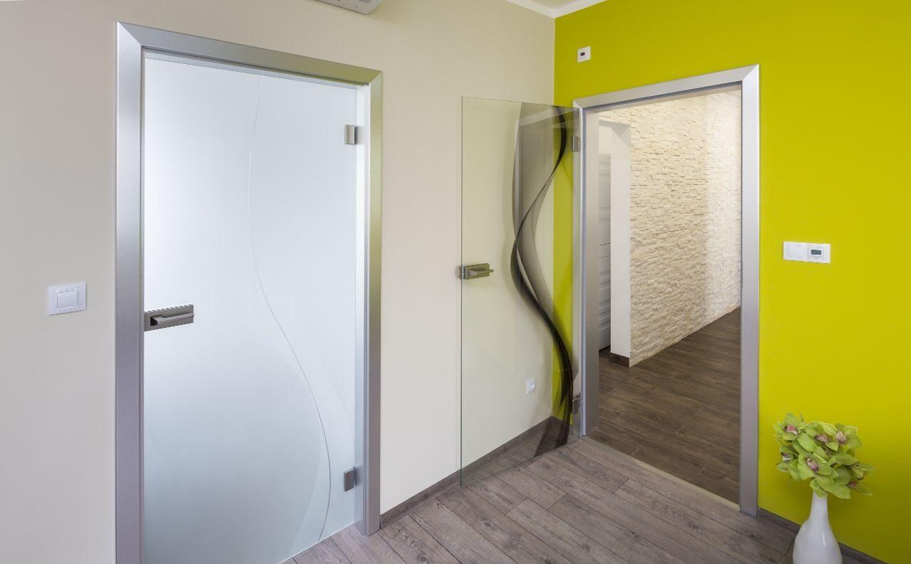 Jednokřídlé otočné dveře 9