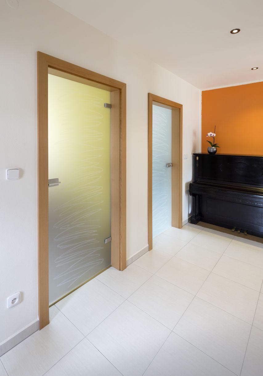 Jednokřídlé otočné dveře 3