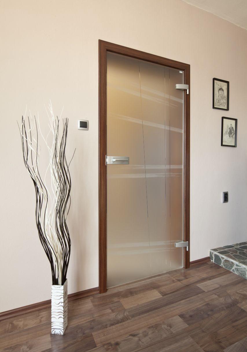 Jednokřídlé otočné dveře 27