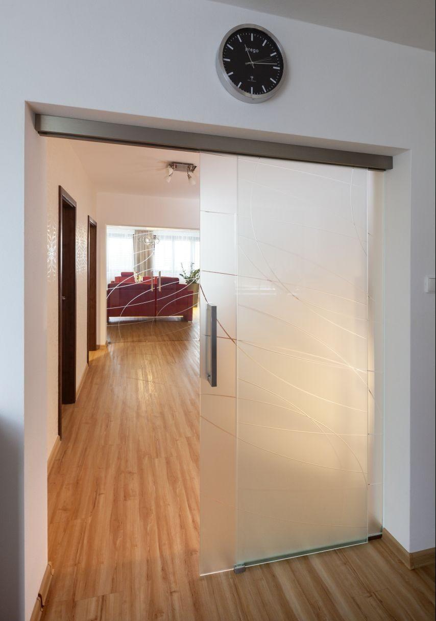 Jednokřídlé posuvné dveře 13